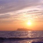 稲村ケ崎で見る夕焼けは江の島とのコラボ写真が撮れる。(2018.9.22)