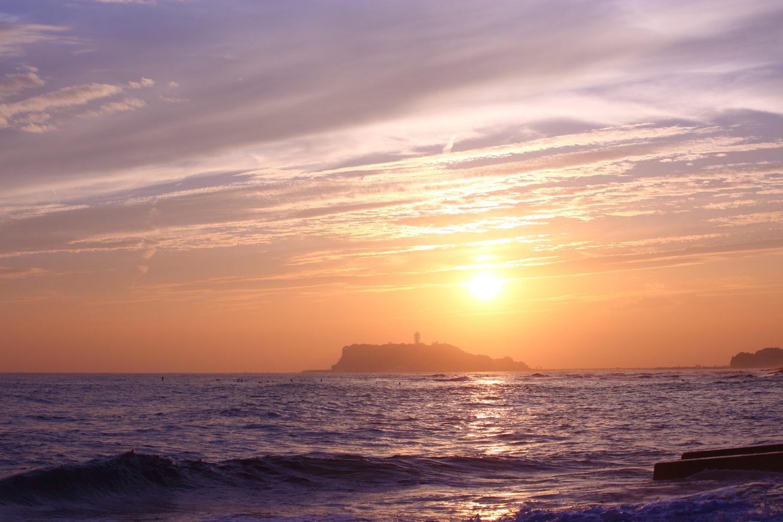 江ノ島有数の夕焼けスポット稲村ケ崎でカメラ事故に遭う。