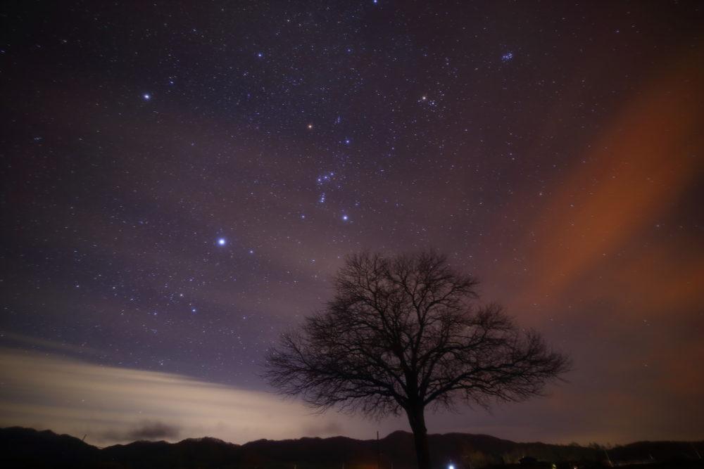 長野・野辺山高原で満天の星空を眺める。詳細な写真スポットを紹介。