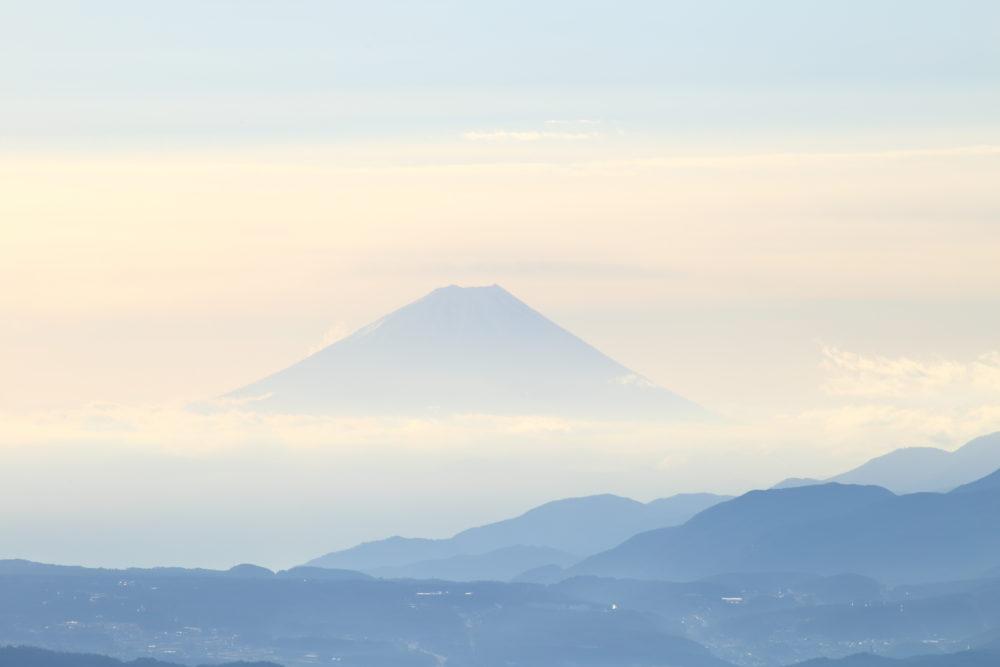 長野の日の出スポット 高ボッチ高原で凍える寒さの中星空と雲海を見てきた。(2018.12.8)