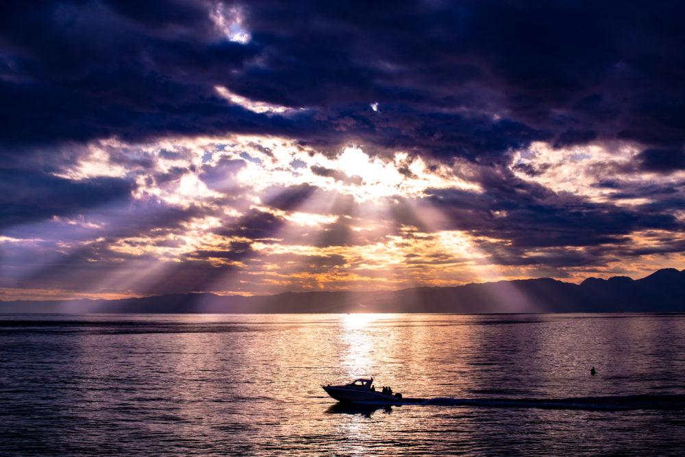 神奈川有数の夕焼けスポット 江ノ島・稚児ヶ淵に行って絶景と絶望を味わった。