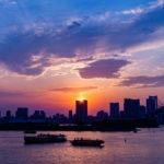 東京有数の夕焼けスポット・お台場海浜公園の撮影ポイント。