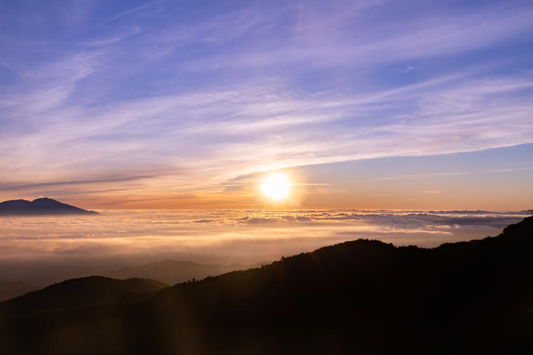 美ヶ原高原で雲海、日の出のコラボ。アクセス、写真撮影時の注意点など。