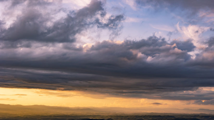 [2020年9月]十勝岳望岳台から見る夕焼けは登山の疲れが吹き飛ぶ。
