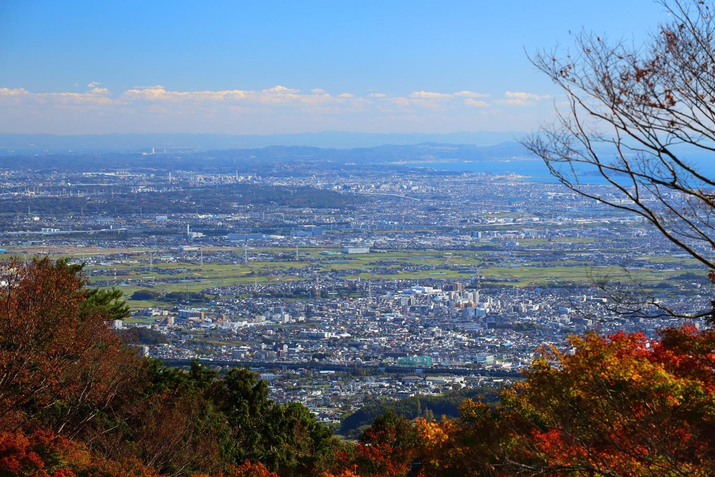 神奈川・大山に登り、高さ1200mからの絶景と紅葉を見てきた。(前半) (2018.11.15)