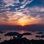 長崎有数の夕焼けスポット、石岳展望台で春霞を味方につけて九十九島の絶景を眺める。