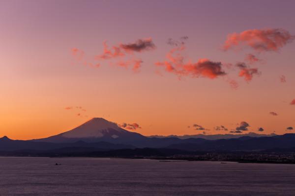 サムエルコッキング苑展望灯台「江ノ島シーキャンドル」から夕焼けを見る。