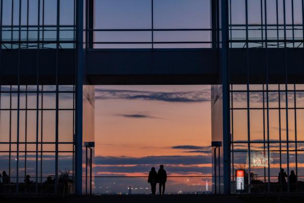 葛西臨海公園での夕焼けシルエットが美しい。